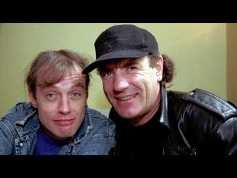 ✪✪✪ Ангус Янг и Брайан Джонсон (AC/DC) об альбоме Stiff Upper Lip (перевод) - 2000