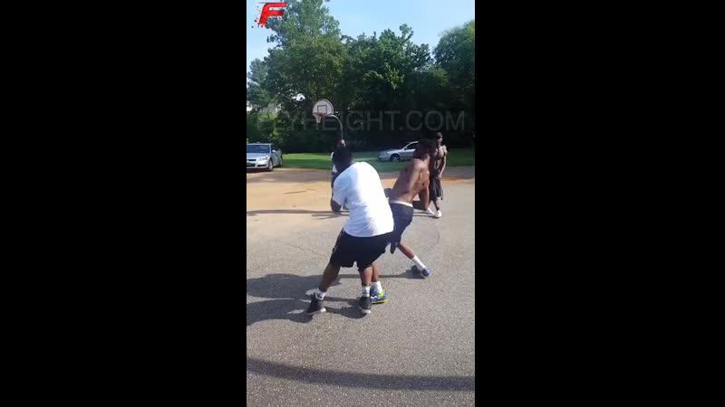 Уличый бокс