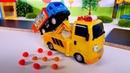 Camiones infantiles reparan la carretera Coches para niños