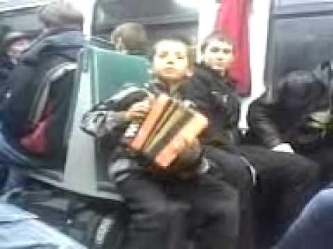 мальчик в электричке поёт » Freewka.com - Смотреть онлайн в хорощем качестве