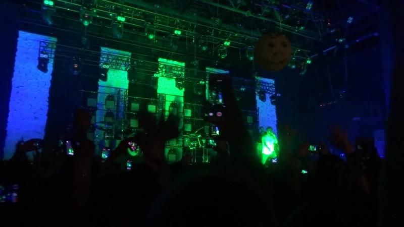 010918 Mike Shinoda IOU