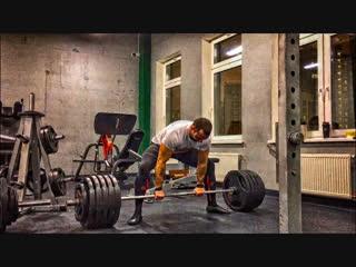 Становая тяга без пояса 300 кг2  года.