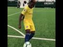 How Callum Hudson-Odoi keeps himself amused during the team photoshoot