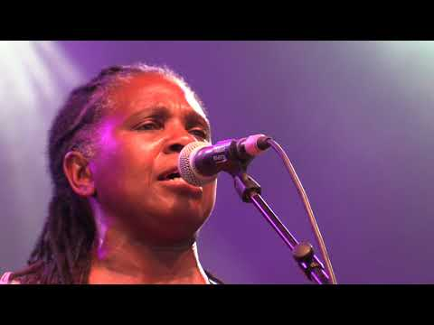 RUTHIE FOSTER video 3 @ BLUES PEER - 150718