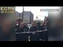 ЧП в Нью-Йорке: Полицейский застрелил мужчину, угрожавшего прохожим трубой