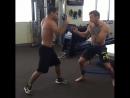 Передвижение и защита Конора Макгрегора с новым тренажером для бокса