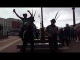 Музыканты из Эквадора поют
