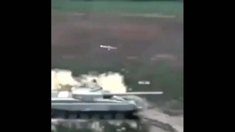 Бомбануло, взорвало танк(vk.comfixter)