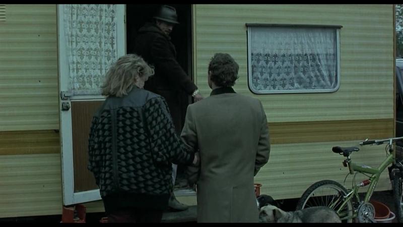 Отрывок из фильма Большой куш Знакомство с цыганами Тебе нравятся пёсики