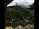 🙏Бутан. Королевство Счастья. Город Пунакха, Дзонг - резиденция духовного лидера страны. Сюда он приезжает на зиму, так как здесь