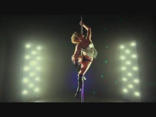 19. Pole Dance Show