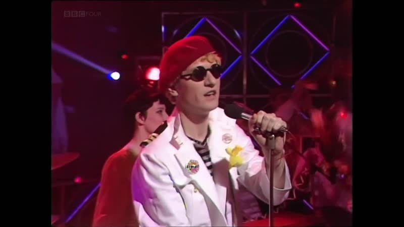 CAPTAIN SENSIBLE - Glad Its All Over (1983)