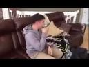 Встречу военного летчика и пса после долгой разлуки сняли на видео!