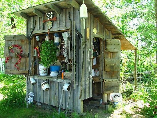 Садовые домики для инвентаря.