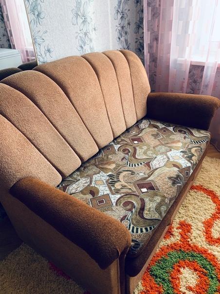 Продам диван в идеальном состоянии,в связи с переездом,цена 9500рЗвонить