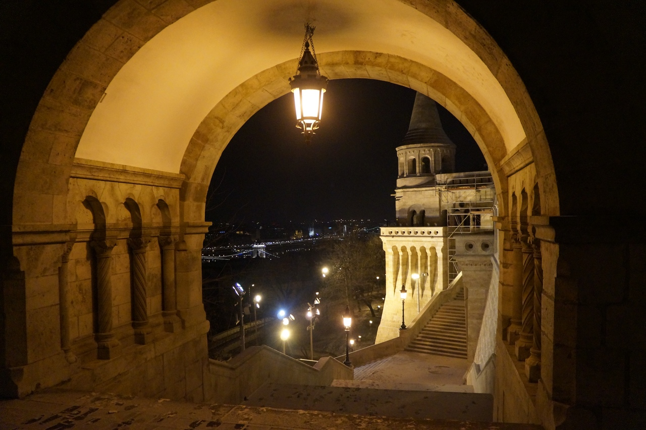 Магия ночного Рыбацкого бастион Будапешта