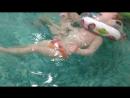 Занятие с реабилитологом в бассейне