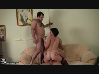 Anal queen alysa cue and balls romana