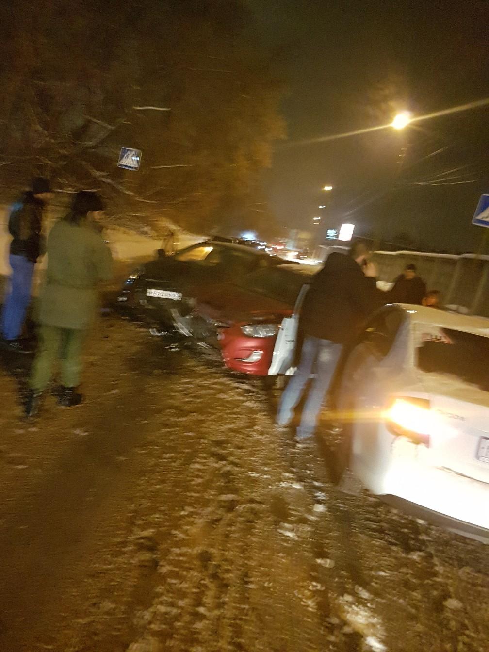 Пьяный водитель устроил ДТП с тремя автомобилями