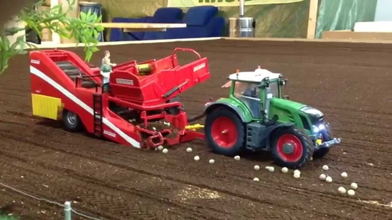 Grimme Kartoffelroder bei Hof Mohr Siku Control
