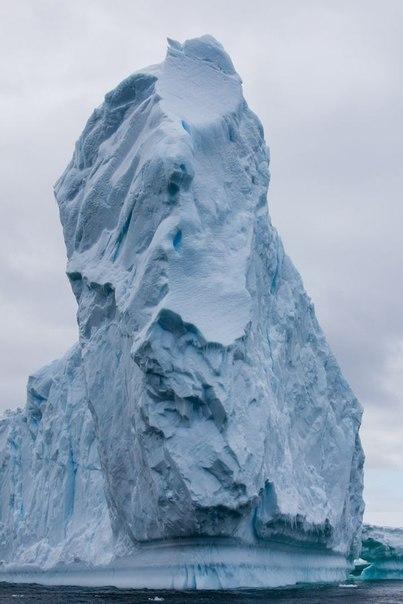 Почему Южный полюс холоднее Северного Обычно слово «север» ассоциируется с холодом, а слово «юг» с теплом. Понятия «Северный полюс» и «Южный полюс» вроде бы должны иметь аналогичную смысловую