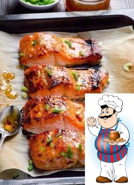 рыба в фольге сохрани рецепт, пригодится! ингредиенты: рыба (лучше любая красная) 2 стейка лук репчатый 0,5 шт. лимон 1-2 ломтика лавровый лист 1-2 шт. черный перец, соль по вкусу помидор 1 шт.