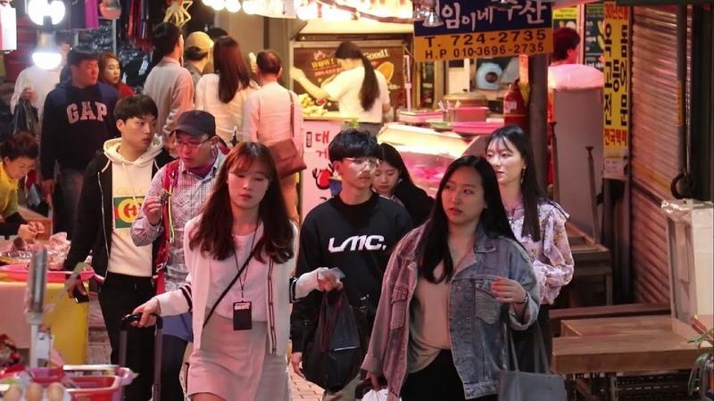 Wonderful Korea: Ночной рынок на острове Чеджу. Кореец говорит по-русски