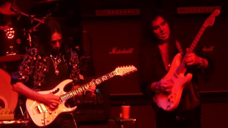 Generation Axe (Steve Vai Yngwie Malmsteen Zakk Wylde Nuno Bettencourt) - Bohemian Rhapsody (Queen Cover)