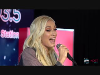 Gwen Stefani Live @ KOST 103.5 - You Make It Feel Like Christmas, Feliz Navidad