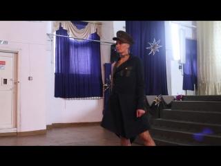 Показ мод в женской колонии.