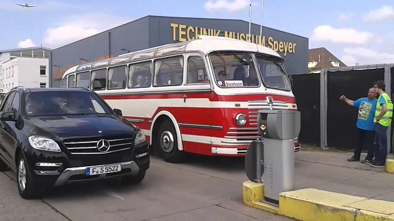 4. Europatreffen historischer Omnibusse: Ausfahrt der Busse in Speyer