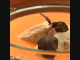 Тыквенный крем-суп с куриными клецками