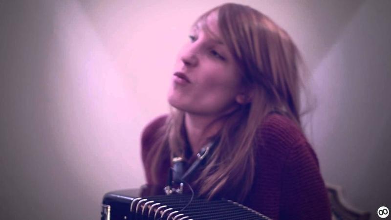 Zaza Fournier - Baiser d'un soir (acoustic hotel version) @Toulouse