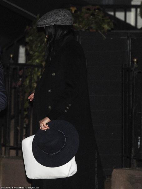 Беременная Меган Маркл тайно прилетела в США ради вечеринки Герцогиня Сассекская Меган Маркл тайно приехала в Нью-Йорк, чтобы отметить скорое появление на свет своего первого ребенка. Как