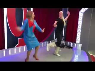 Танец Аллы Довлатовой и Анастасии Волочковой