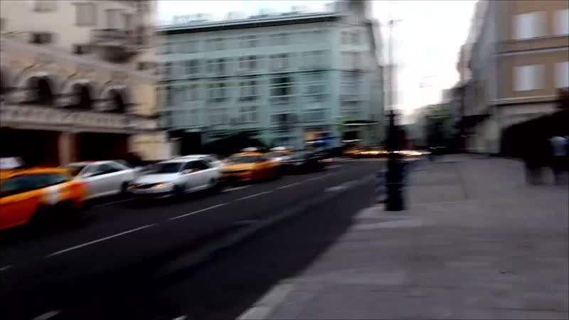 [Псв 16] - Прогулка по улице Петровка в центре Москвы летом вконце ночи ближе к утру перед открытием метро под утро Москва центр