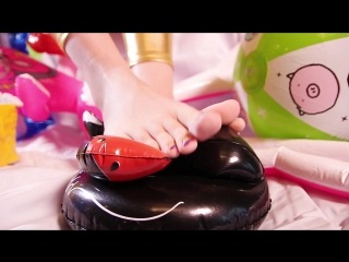 Sharon – barefoot pooltoy teasing (trailer)
