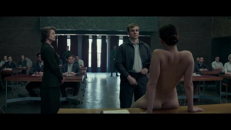 Дженнифер Лоуренс (Jennifer Lawrence) голая в фильме «Красный воробей» (2018)