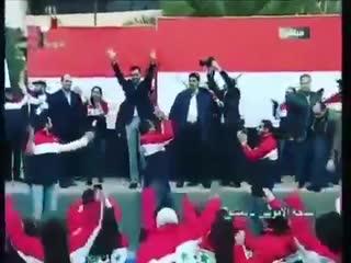 Les syriens accueillent leur président bashar al assad comme une rock star !