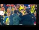 Футбол по турецки тренеру Бешикташа болельщики разбили голову