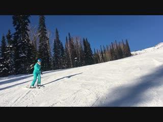 Учусь кататься на лыжах
