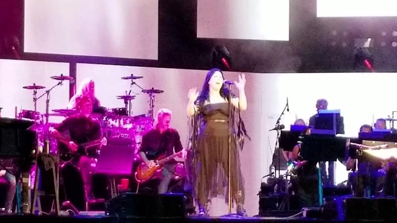 Hi Lo - Evanescence ft. Lindsey Stirling (live with orchestra) Camden NJ 7/17/18