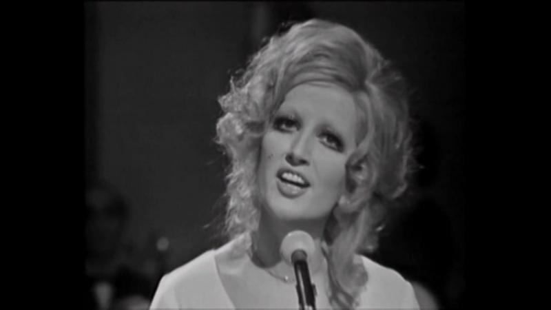♫ Mina Mazzini ♪ Mi Chiamano Mimì (Da La Boheme) 1972 ♫