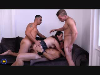 Annabelle More - This Naughty Housewife Gets Fucked By Three Guys At Once [MILF, Gang Bang, Blowjob, All sex, DVP]