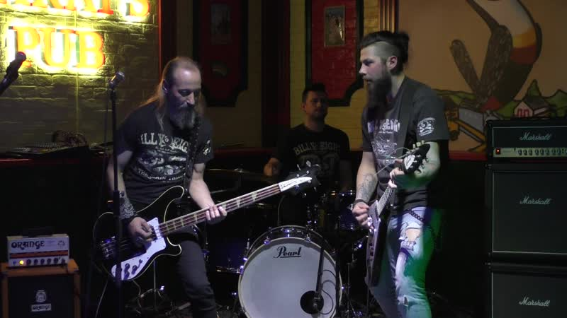 Bootlrggers - Pipeline (The Chantays cover) (Harats Pub, Брянск, 06.04.2019)