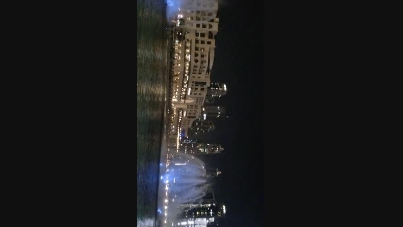 шоу фонтанов в Дубае