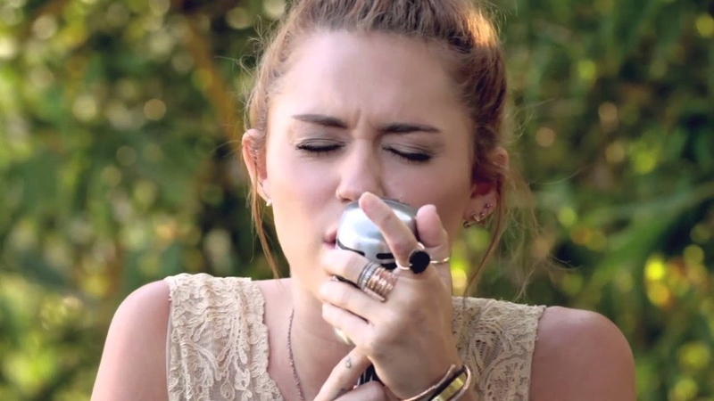 Miley Cyrus - The Backyard Sessions - Jolene