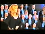 Alla Pugacheva with a Los Angeles gay choir (9 October 1999)