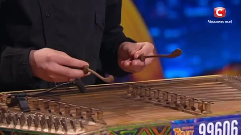 Влад Ониськив - Невероятная игра на цимбалах Україна має талант-9.Діти-2 [01.04. (1)