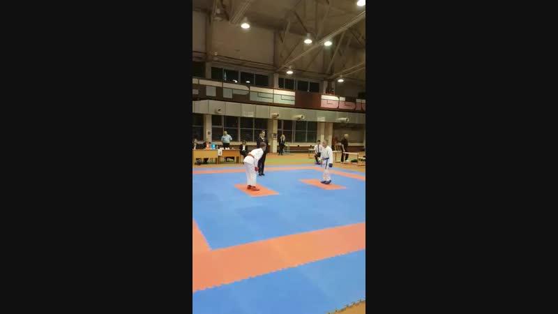 Г Андреев 2й бой кумитэ 10 11 42кг WKF турнир Д Обухов 04 11 2018